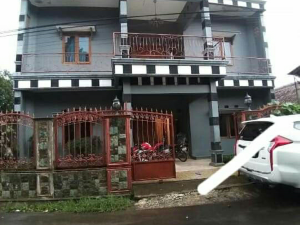 Jual Rumah 3 Lantai Plus Mobil Pajero Leuwiliang Bogor